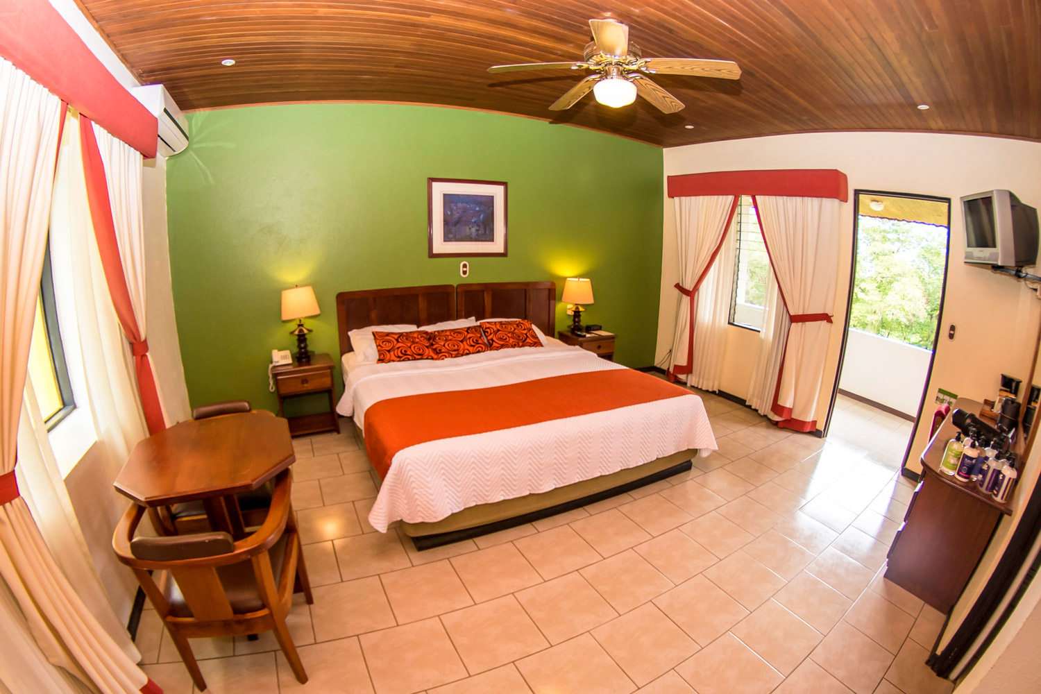 Lodging Rooms Standard King Size